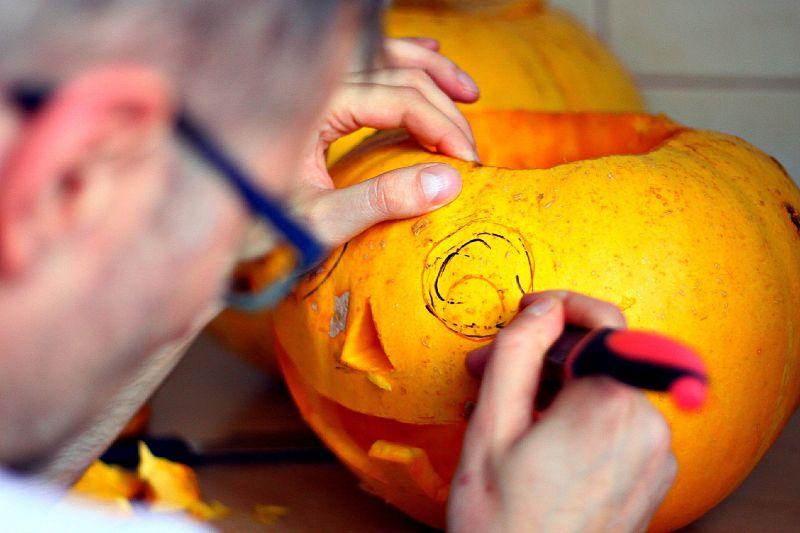 pumpkin kürbis schnitzen halloween